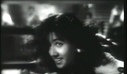 Bollywood Actress in Song Babuji Dheere Chalna