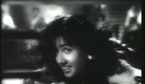 Bollywood Actress Shyama in Song Babuji Dheere Chalna