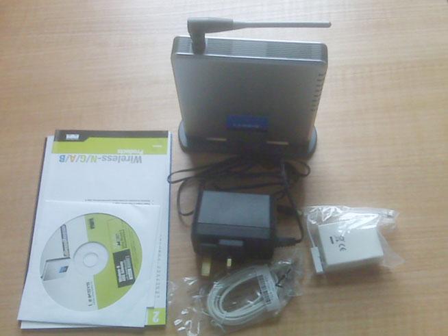 Linksys WAG54GS Wireless-G ADSL Gateway - Box Open